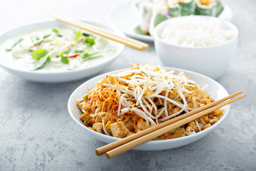 Pad Thai noodles with chicken and bean sprouts