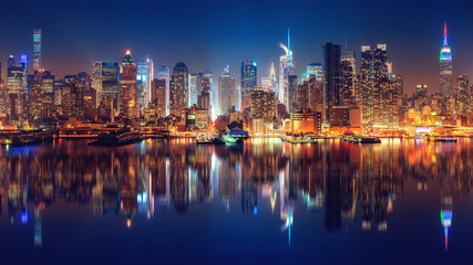 Fototapete - Panoramic view on Manhattan at night, New York, USA