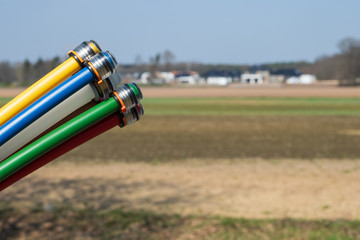 Breitbandausbau - schnelles Netz - Glasfaserkabel - letzte Meile