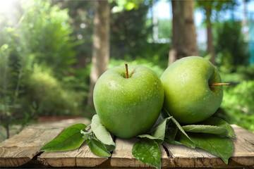 Granny smith apple.