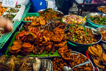 Food ready to eat at night market