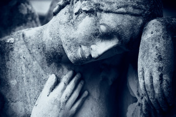 Fototapete - Angel on the tomb as symbol of death, pain and sorrow. Antique statue.