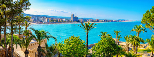 Spoed Fotobehang Blauw Landscape with defensive walls of castle and waterfront Peniscola. Spain