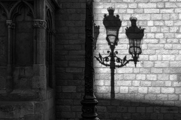 Schatten einer Strassenlaterne
