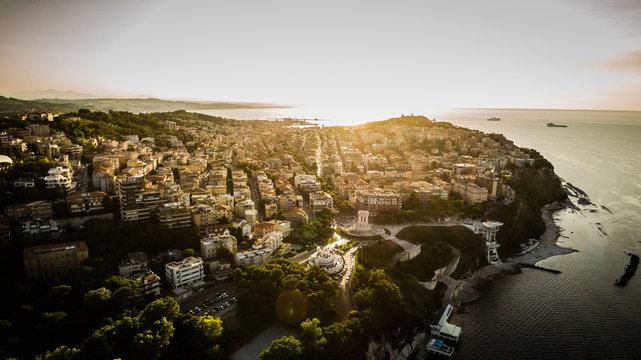 Luce del tramonto sulla città