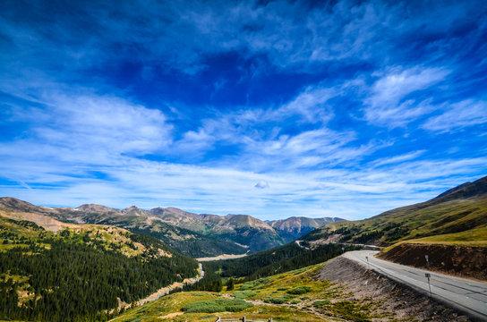 Road through Loveland Pass - Colorado