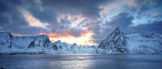 Winter auf den Lofoten am Polarkreis