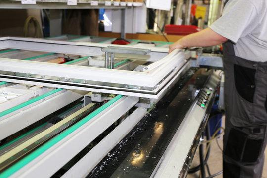 Fensterbau, Fensterproduktion, Fensterherstellung