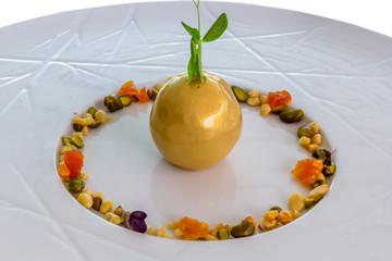 Foie gras en pépite d'or et éclats de fruits