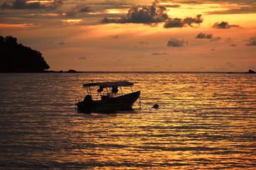 Fototapete - Beautiful sunset backgound at pangkor beach, perak malaysia