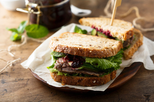 Roast beef sandwich with blueberry sauce