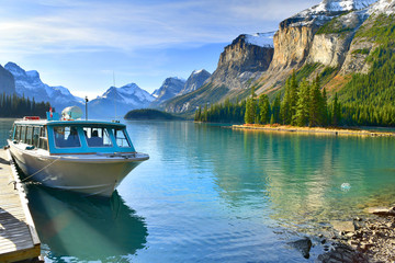 Wall Mural - Boat tours to Spirit Island at the Maligne Lake, Alberta, Canada