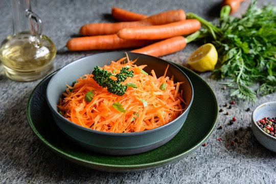 Healthy grated carrot salad