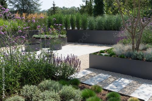 Moderne Gartengestaltung Mit Gräsern Und Stauden