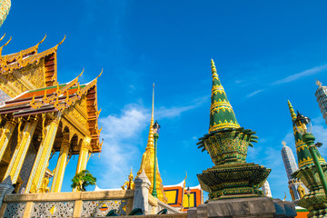 Fototapete - Wat Phra Kaew emerald buddhist temple at Bangkok
