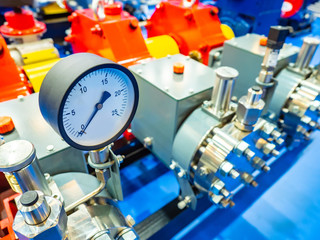 The gauge pressure of the pipeline. Gas supply equipment. Liquefied natural gas. Gas distribution system. Fuel industry pressure control. Fuel production. Processing of natural resources.