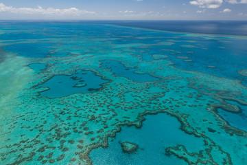 Luftaufnahme beim Helikopter-Rundflug über das Great Barrier Reef