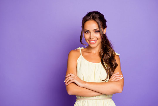 Portrait of her she nice-looking attractive lovely lovable adorable feminine cheerful cheery wavy-haired girl folded arms isolated over violet pastel background