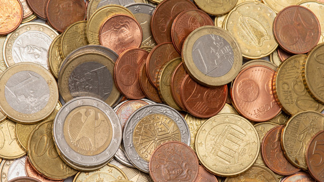 Tas de pièces de monnaie en euros