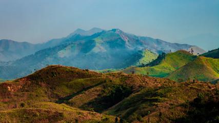 Foto auf Gartenposter Gebirge war elephants Hills