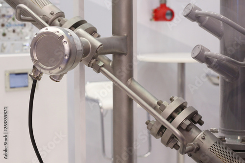 Mortise ultrasonic flow meter to measure the flow of liquids and