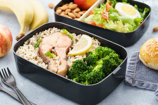 Lunch boxes with food ready to go for work or school.