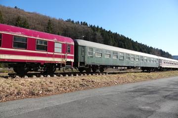 Waggons auf Abstellgleis, alte Züge