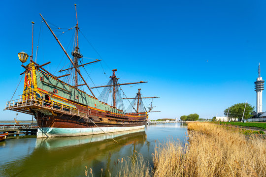 Segelschiff Batavia im Hafen Lelystad