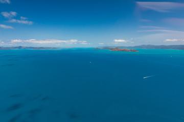 Luftaufnahme beim Helikopter-Rundflug über Whitsunday Island
