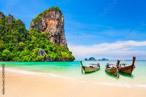 Wall mural Clear water beach in Thailand