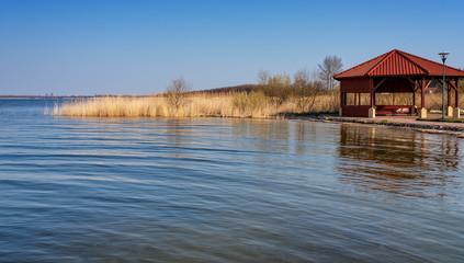 Zarnowitzer See Gras Wasser Gebäude Kaschubei