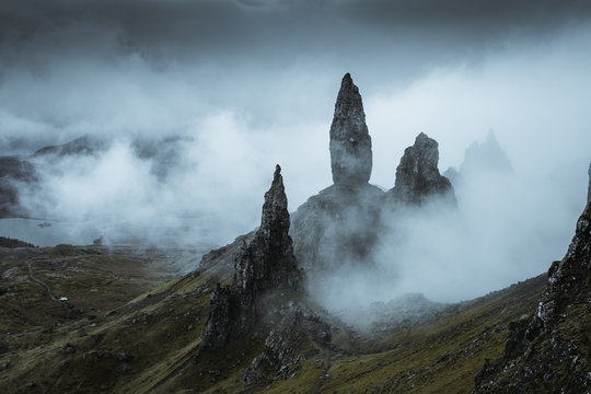 the amazing landscape around the Old Man of Storr