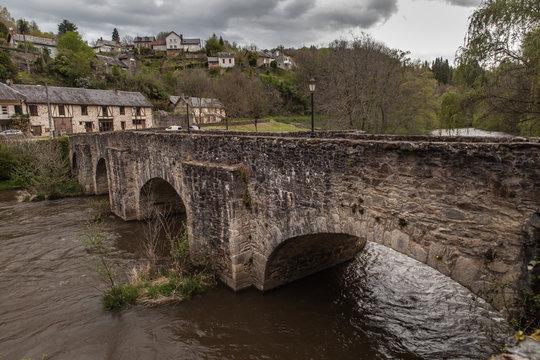 Vigeois (Corrèze - France) - Vieux pont sur la Vézère