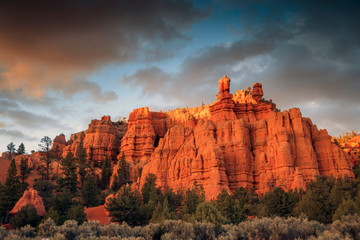 Sunrise in Bryce Canyon with colorful stormy sky, Utah, USA. Fotoväggar