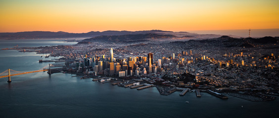 Fototapete - San Francisco Downtown Skyline Aerial View at Sunset, California, CA
