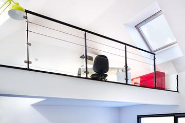 Construction mezzanine et aménagement des combles