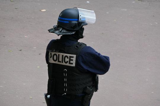 policier crs