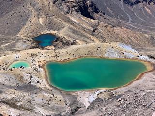 Lac aux couleurs étranges au Tongariro