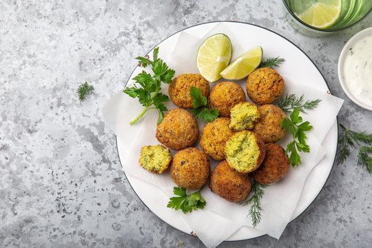 chickpeas falafel balls, vegan food