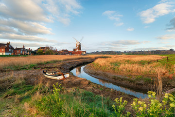 Wall Mural - Cley next to the Sea in Norfolk