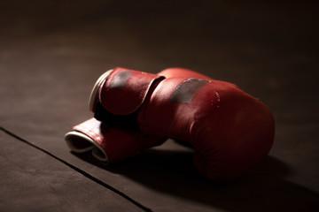 Fototapeta  gloves on a white background close up Boxing gloves on lowkey obraz