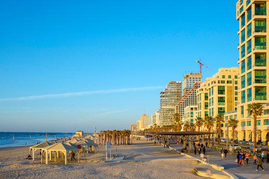 Israel, Tel Aviv-Yafo, Tel Aviv. Shlomo Lahat Promenade and buildings along the beachfront at Geula Beach.