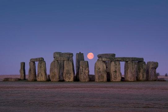europe; UK, England, Wiltshire, Stonehenge winter moon