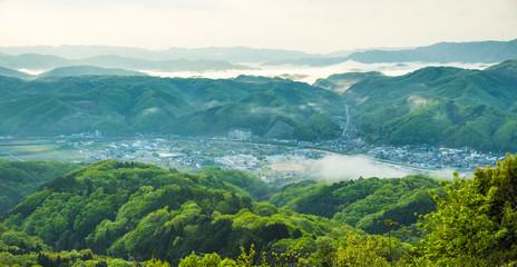 兵庫県佐用町・初夏の朝霧の景観