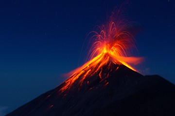 Fuego Volcano eruption, view from volcano Acatenango, Guatemala Fototapete
