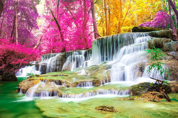 .Beautiful waterfall in wonderful autumn forest of national park, Huay Mae Khamin waterfall, Kanchanaburi Province, Thailand 壁紙(ウォールミューラル)