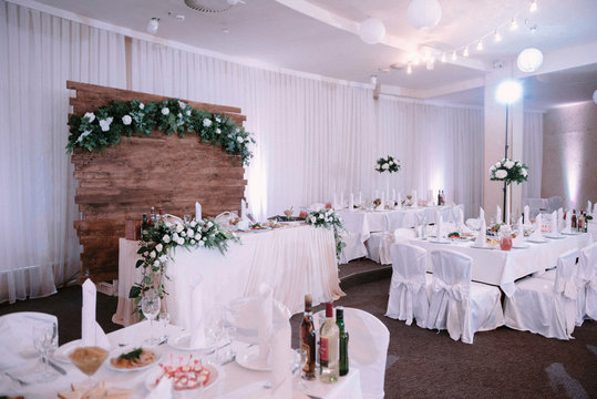 decoration of the banquet hall on the wedding day