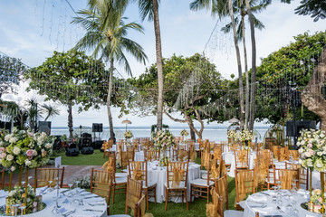 Wedding set up with ocean view. Tropical destination wedding concept Fototapete