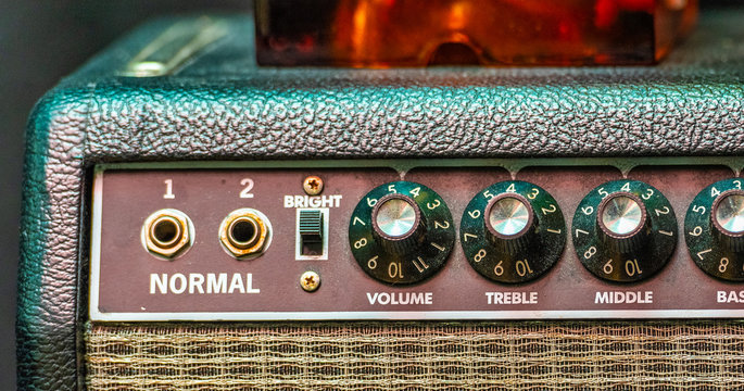 An amp where the volume goes to 11