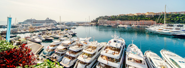 Printed roller blinds Mediterranean Europe Panoramic view of port in Monaco, luxury yachts in a row